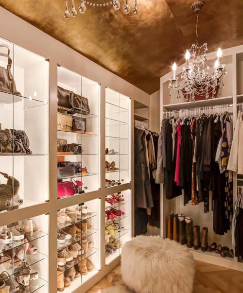 Vintage Look luxurious-closet